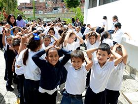 Más de Dos mil personas entre docentes, alumnos, personal obrero y administrativo participaron en la jornada