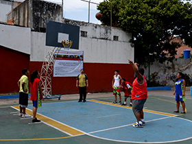El polideportivo Mariano Montilla acogió a los deportistas de la parroquia sucre.