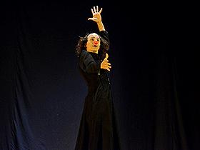 La obra Cronopio a Secas, un espectáculo del clown, deleitó a los vecinos de la parroquia el Recreo.