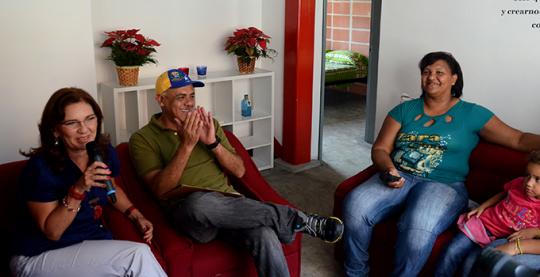 Entregadas 32 nuevas viviendas en el Complejo Urbanístico de Antímano