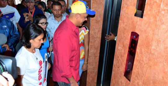 La fiesta del ascensor dignifica a vecinos de la parroquia El Paraíso