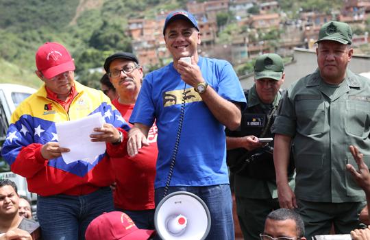 Jorge Rodríguez se reunió con trabajadores de la empresa Supra Caracas