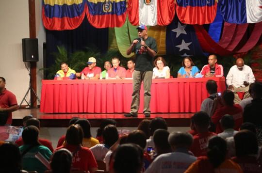 Jorge Rodríguez se reunió con 48 Ubch de la parroquia Santa Rosalía