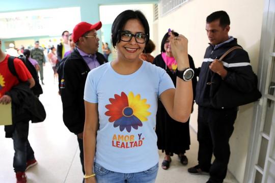 Delcy Rodríguez ejerce derecho al voto en Elecciones Municipales