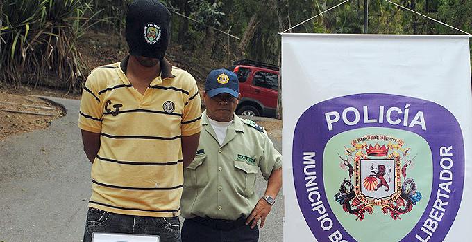 A. policia malandro