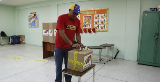 Alcalde vota (11)