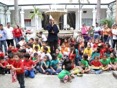 Alcaldía de Caracas entrega regalos a niños. 24 de diciembre de 2013