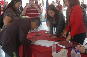 Matrimonios colectivos en la Plaza Bolívar
