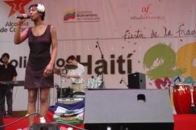 Tania Montaigne interpretó piezas de jazz, soul y neo- folk