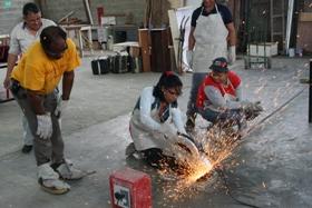 Taller introductorio al área de herrería y metalúrgica