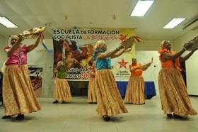 Abuelas de Estrella del Sur bailaron polo margariteño