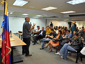 Movimientos sociales, instituciones de la Alcaldía y organizaciones políticas apoyando a las comunidades