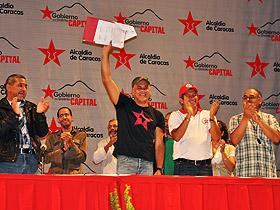 El Alcalde de Caracas firmó el contrato colectivo, el cual dignifica y mejora la calidad de vida de los trabajadores públicos de esta institución