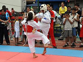 El Gabinete Juvenil Deportivo-Cultural tiene objetivo la creación y realización de actividades recreacionales y culturales