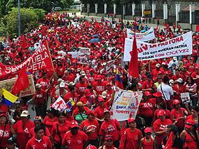 Representantes del Gobierno Nacional y el pueblo caraqueño realizaron una gran movilización en respaldo al gobierno que lidera el presidente Chávez