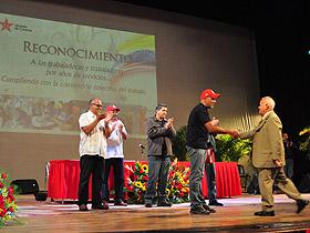 El Alcalde de Caracas entregó reconocimientos a empleados de la institución