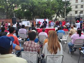 Vecinos y vecinas del Valle, asistieron a una asamblea popular encabezada por el Alcalde de Caracas