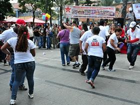 Exhibiciones deportivas y de baile alegraron a los ciudadanos