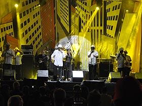 Caraqueños se acercaron a la plaza Diego Ibarra para disfrutar de la mejor música
