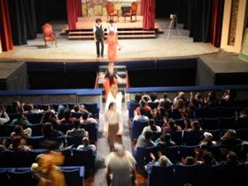 Más de 250 personas asistieron al teatro para disfrutar una obra que mostró las acciones cotidianas de la sociedad venezolana para la época de 1930