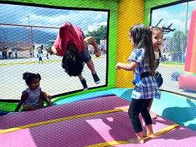 """La Alcaldía de Caracas realizó """"Gran Fiesta de Navidad"""" donde se beneficiaron más de 1200 niñosde la comunidad de Blandín"""