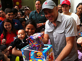 Bicicletas, patinetas, barbies, carros a control remoto, juegos didácticos fueron los diferentes regalos por parte del Alcalde de Caracas
