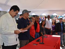 Los mandatarios ofrecieron respuestas a los habitantes de la comunidad de Gramoven