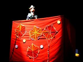 Entre risas, bailes y aplausos los caraqueños y caraqueñas que asistieron a la sala del teatro