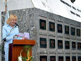La Fiscal General de la República junto a familiares de los caídos y representantes de la Alcaldía de Caracas rindieron tributo a quienes fallecieron en esa tragedia