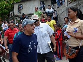 El Alcalde de Caracas, Jorge Rodríguez, expresó que la institución en conjunto con otras entidades gubernamentales trabajó para solucionar los inconvenientes que existían en la localidad.