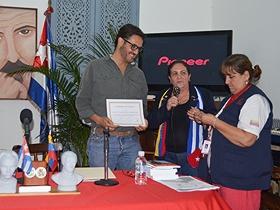 Fue condecorado como miembro de honor por el Club Martiano Simón Bolívar, el Presidente de Fundapatrimonio Felix Plasencia