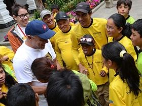 Durante el encuentro los niños y niñas, se mostraron muy complacidos.