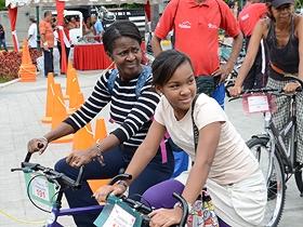 Los niños y niñas son unos de los más entusiasmados de participar en la actividad.