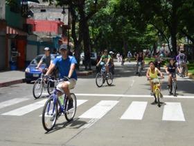 Este domingo de 7 am a 3 pm los caraqueños pudieron respirar un aire más puro en Caracas y hacer un recorrido por algunas zonas de su ciudad en bicicleta, con el Plan Caracas Rueda Libre.