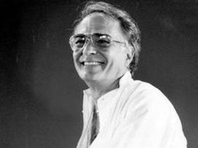 Vicente Nebrada fue director artístico del Ballet Teresa Carreño desde el año 1984 hasta el año 2002.