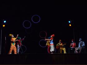 La colorida pieza teatral está cargada de humor caraqueño y entretuvo a los asistentes de la  abarrotada sala teatral