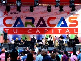 Durante horas de la tarde de este martes, grupos de música tradicional venezolana se presentaron en la tarima ubicada en la Plaza El Venezolano.