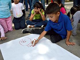En la Plaza Andrés Eloy Blanco la Fundación de Acción Social de Caracas presento