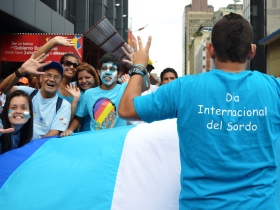La Asociación Venezolana de Sordos con caminata desde Bellas Arte hasta llegar a Plaza el Venezolano.