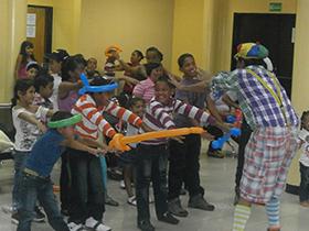 La actividad inició con la participación de Popo el Payaso